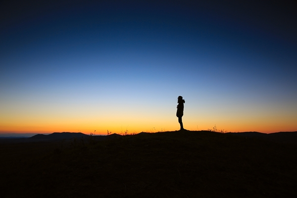 alone-dawn-dusk-3371